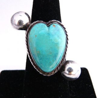 Vintage Pawn Native American Turquoise Heart Ring