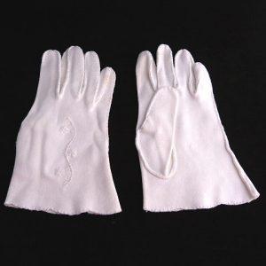 Vintage 1950's wrist length gloves