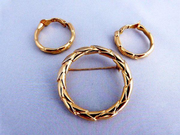 Vintage Trifari Brooch/Pin Earring 3 Piece Set