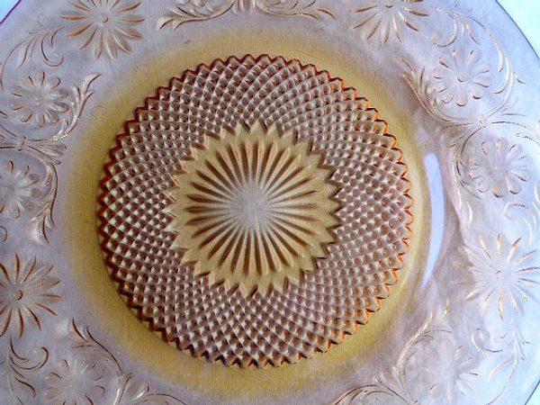 Daisy-Amber Dinner Plate