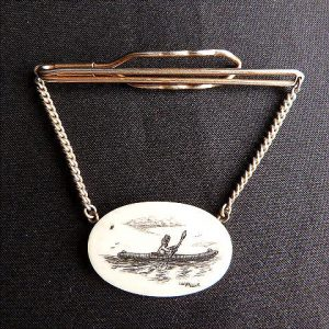 Vintage Scrimshaw Walluk Tie Bar Chain