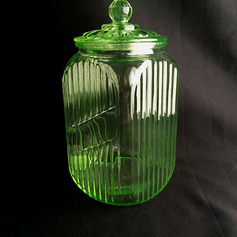 Lidded Anchor Hocking Green Glass Canister