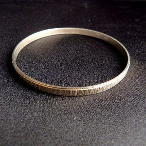 Vintage 1970's Brushed Goldtone Bangle Bracelet