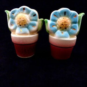 Shawnee Blue Flower in Flower Pot, Salt and Pepper Shakers