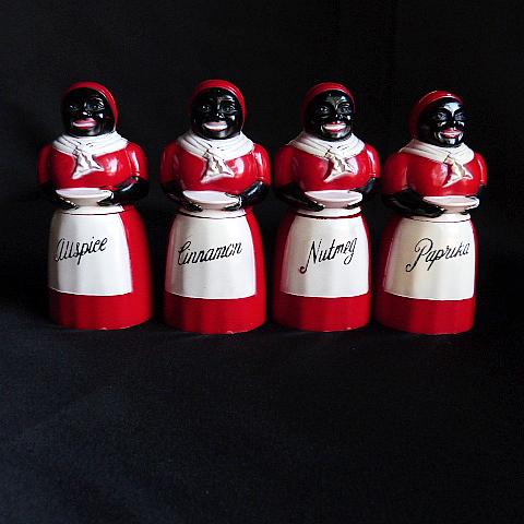 Vintage Aunt Jemima Spice Shaker Set