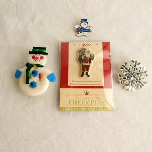 Mixed Lot of 4 Christmas Pins